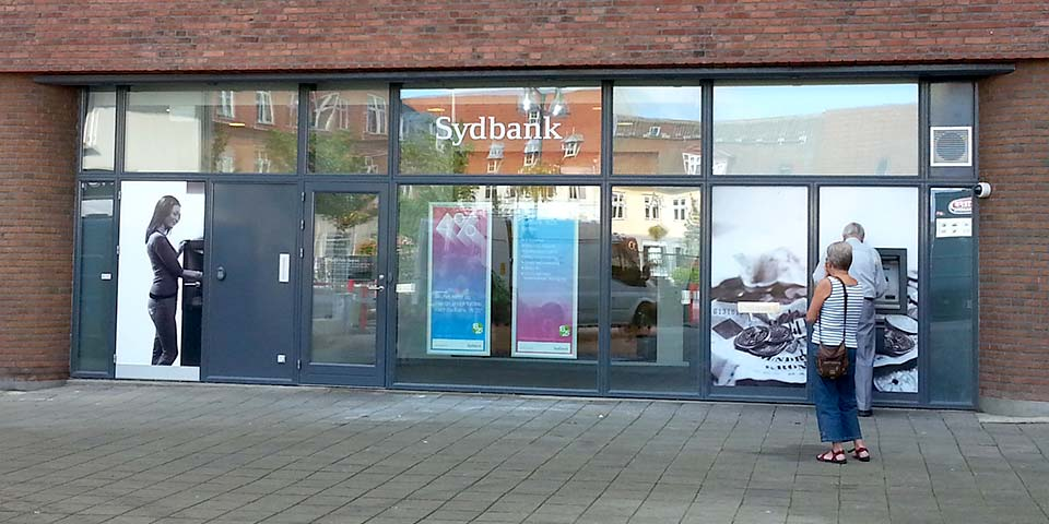 Sydbank overtager Alm. Brand Bank