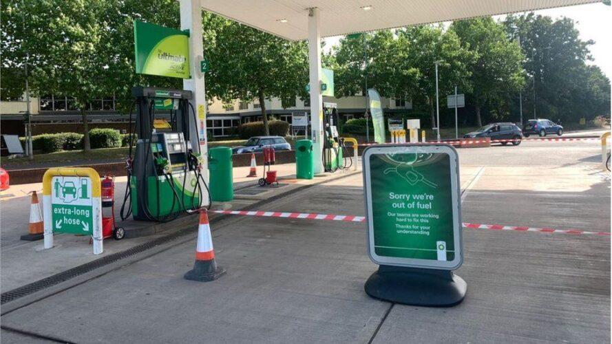 Tomme tankstationer i Storbritannien